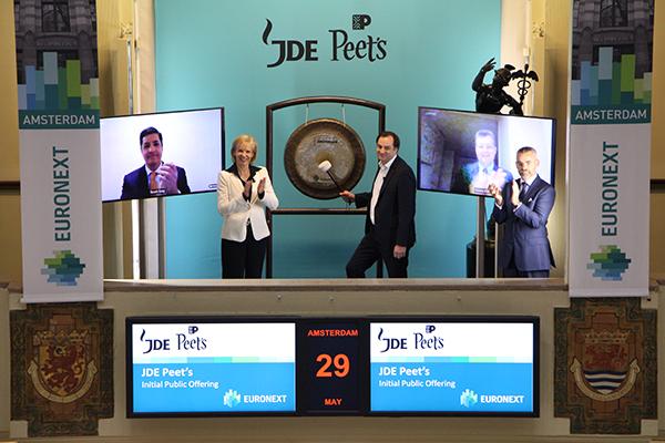 JDE-Peets, bekend als Douwe Egberts, voor derde keer naar de Amsterdamse beurs